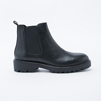 Vagabond Kenova Chelsea Boots in Black - Urban Outfitters
