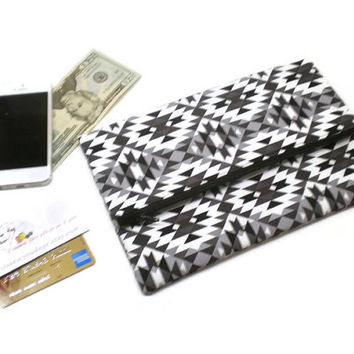 Tribal foldover clutch in white, black and gray, Aztec style clutch, zippered clutch, Southwestern clutch, gift for her, mother's day gift