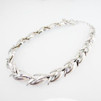 Classic Signed Trifari Necklace, Brushed & Polished Silvertone Links  w/ V-Shaped Leaves, Modernist Abstract Mid-Century Vintage 1950s 1960s