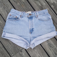 HIGH WAISTED Denim Shorts - Vintage High Waist Jean Shorts - SIZE 6 / 8
