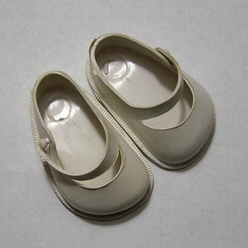Vintage Fairyland White Doll Shoes, No. 1.5, Mary Jane's, Made in USA