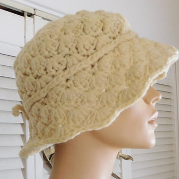Beige Crochet Floppy Hat Small Bow Vintage Wide Brim Hat Scalloped Edges Thick Yarn
