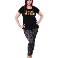 Plus Size Spider Web Print Leggings