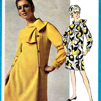 Vintage 60s Vogue Sewing Pattern Americana 1967 Teal Traina Step In Straight Dress Kimono Sleeves Tie Collar Uncut Pattern Size 12 Bust 34