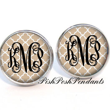 Toasted Almond Quatrefoil Monogram Earrings, Personalized Earrings, Monogram Jewelry, Bridesmaid Earrings - Style 564