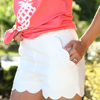 Simple Grace Shorts - White