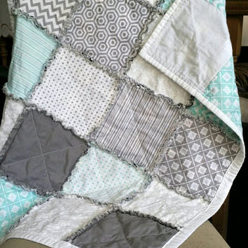 rag quilt baby / baby quilts handmade / baby boy quilt /  baby girl quilt / homemade quilts for sale /  crib quilt