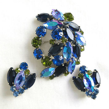 Vintage JULIANA, Verified D&E Dark Blue, Olivine Green and Aurora Borealis Domed Rhinestone Brooch or Pin and Earrings Demi Parure Set