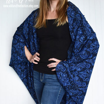 Ladies Cocoon Wrap, Womens fashion shawl, Blue and black Bandana Kimono, Ladies fashion shawl, Shrug