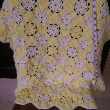 "Vintage Crochet Small Octagon and Square Baby Blanket in Yellow and White 29"" X 29"""