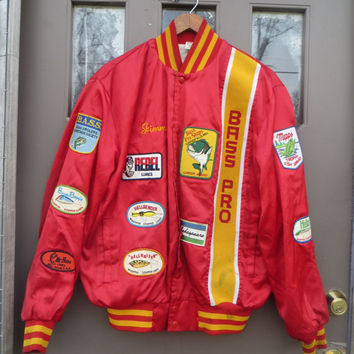 70s Bass Pro by Birdie  red  Satin Bomber  Fishing  anglers Jacket  10 vintage fishing lures patches embroidered  CARNES San Diego  sz large