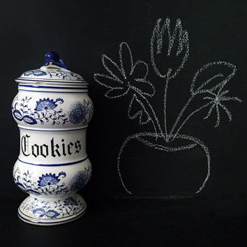 Vintage Delft Blue Onion Cookie / Container / Blue and White Kitchen Decor / Floral Details