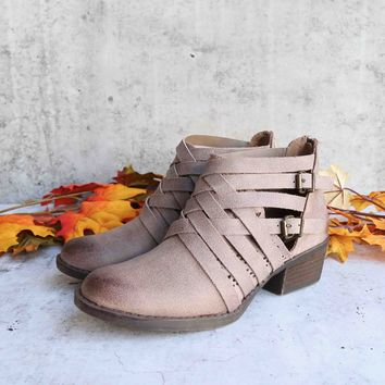 not rated - gael womens ankle boot - taupe