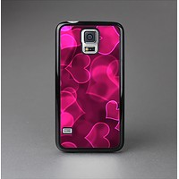 The Glowing Pink Outlined Hearts Skin-Sert Case for the Samsung Galaxy S5