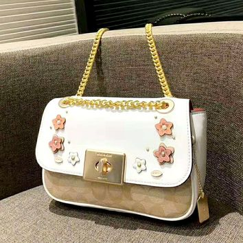 COACH 2019 new women's clamshell camellia chain shoulder slung small square bag