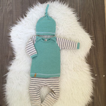 Baby boy coming home outfit! Boys take home outfit, pants shirt and matching top knot hat. Size Newborn **Made to Order** (LondinLuxBrand)