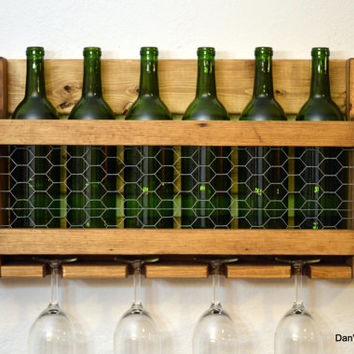 Country Rustic Wine Rack 6 Bottle 4 Glass Holder Chicken Wire Frame Front Rooster Early American Wood