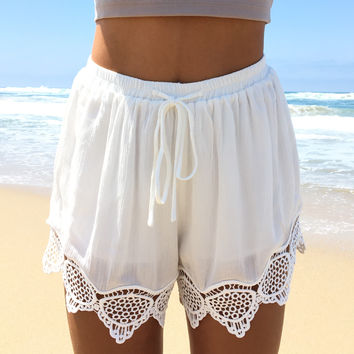 On Your Mind Crochet Shorts In Ivory