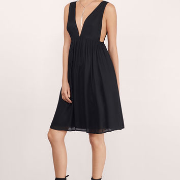 Emmilia Deep V Midi Dress