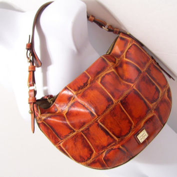 Dooney and Bourke, Faux Crocodile, Cognac color, Shoulder, Handbag, Purse, Bucket, Sak, Adjustable Handle, Expandable Body