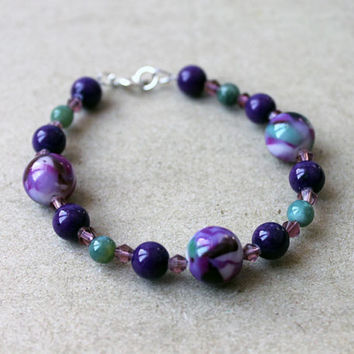 Purple and Green China Mountain Jade, Indian Agate (Bloodstone), and Glass beaded wire bracelet, 8""
