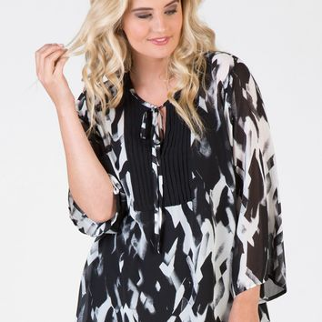 Love Your Wardrobe Plus Size Black Abstract Pintuck Print Blouse