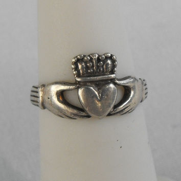 Tiny Sterling Silver Claddagh Ring Size 4 Vintage Celtic Scottish Jewelry