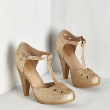 Vintage Inspired The Zest Is History Heel in Glittery Gold