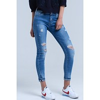 Jean skinny with rips on the leg