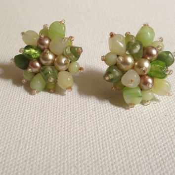 green cluster beaded earrings, beautiful ladies vintage retro costume jewelry, on sale, shades of green beads, floral starburst pattern