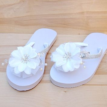 dreamy white bridal hawaiian flip flops