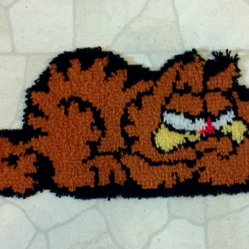 Vintage Garfield Orange cat latch hook rug wall hanging tapestry picture art Collectible Home Decor Toy Game Room super cute gift idea