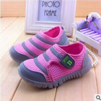 2015 Children Casual Shoes Summer Low Boys Girls Sandals Crayon Network Sports Shoes Gauze Breathable Sneakers Free Shipping