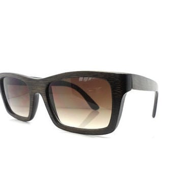 Fashion Bamboo Dark Brown Polarized sunglasses, UV 400