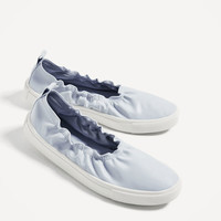 STRETCH SNEAKERS DETAILS