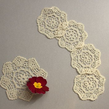 Doily crochet coasters with floral pattern, lace coasters, little doilies, elegant home decor