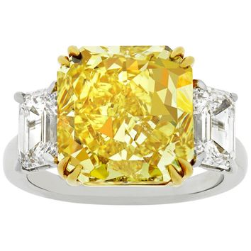 Fancy Vivid Yellow Diamond Ring by Harry Winston, 7.72 Carat