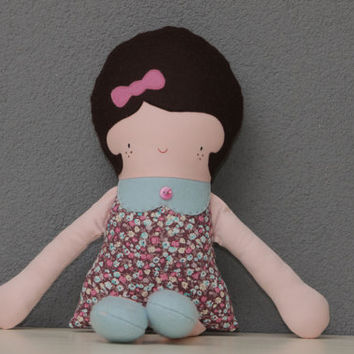 Cute Greta doll, 20 inch, in sweet pastel colors from an original Retromama pattern (ragdoll, doll, toy, girl)