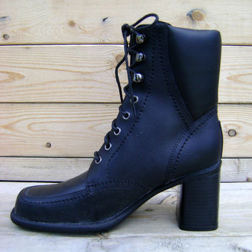 90s Tall Black Lace Up Riding Boots Vintage Grunge Goth Leather Heeled Boot Size 7 1990s Revival Victorian Boho Padded Boot Shaft Steampunk