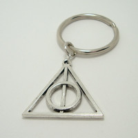 Harry Potter Deathly Hallows Charm Keychain - Key Ring, Key Chain - Deathly Hollows - Silver Metal - Librarian Teacher Gift - Book Lover