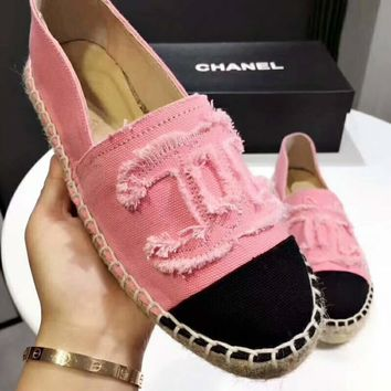CHANEL 2018 trendy canvas fisherman shoes high quality straw shoes F-ALXY pink