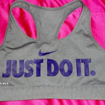 Nike Just Do It Hot Sports Bra