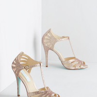 Vintage Inspired Go-Glitter Attitude Heel in Champagne