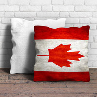 Canada's Flag Pillow | Aneend