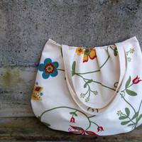 Cream tote - big shoulder bag made of upholstery fabric remnants and organic lining - floral bag with rustic style