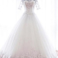 [166.99] Fantastic Tulle Bateau Neckline Ball Gown Wedding Dresses With Lace Appliques - dressilyme.com