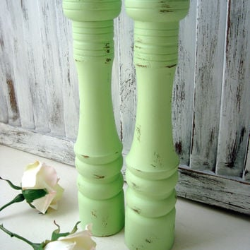 Mint Green Salt and Pepper Shakers, Vintage Pepper Mill and Salt Shaker Set, Light Green Distressed Pepper Grinder, Gift Ideas, Shabby Chic