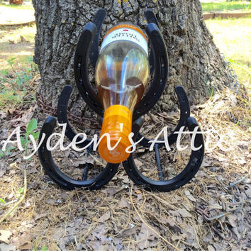 Horseshoe wine rack. Country kitchen decor. Housewarming gift. Wino. Wine decor. Wine shelf. Wine holder. Kitchen storage. Country wedding