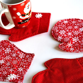 Quilted Coaster Set, Fabric Coaster, Drink Coasters, Santa Mitten Coasters, Red and White Christmas Coasters