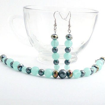 Aqua resin bracelet, green and silver bracelet set, dangling earrings, Hypoallergenic, Dangling earrings, Pendientes